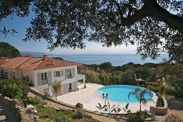The finest luxury villa, luxury chalet & apartment rental