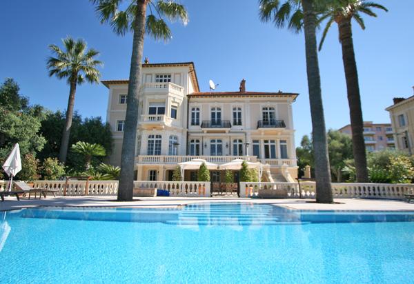 Location villa de luxe apartement chalet de luxe vente for Prix piscine 12x6