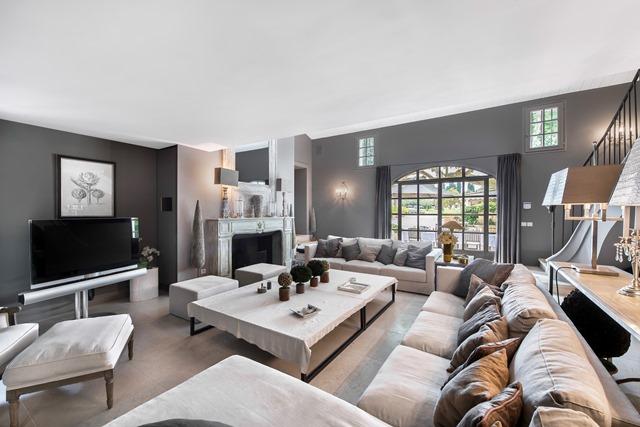 Une Villa Dessin : Location villa de luxe apartement chalet vente