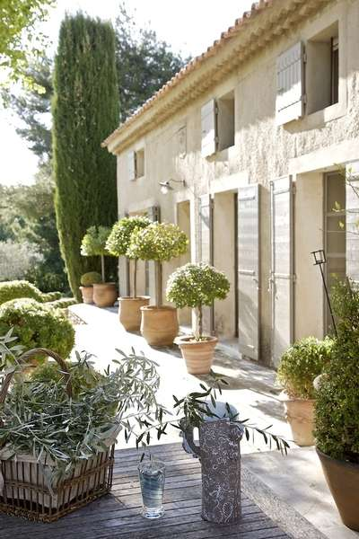 The finest luxury villa luxury chalet apartment rental French provence style homes