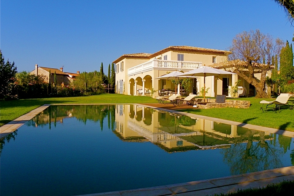 The finest luxury villa luxury chalet apartment rental service eden luxury homes for Location luxe