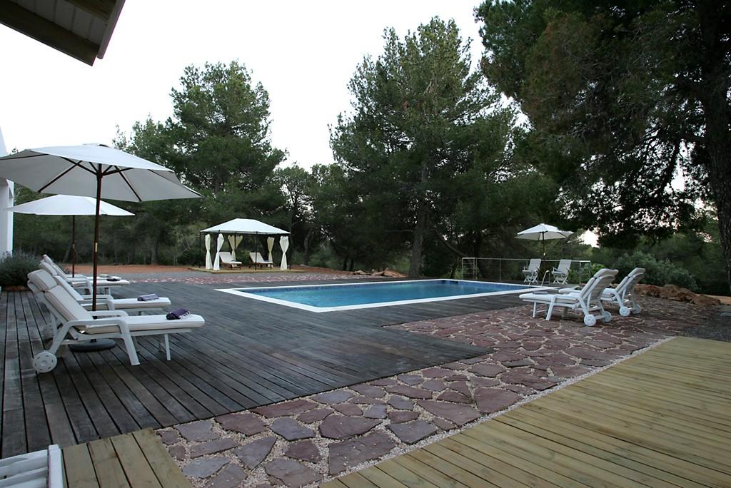 Location villa de luxe apartement chalet de luxe vente for Prix piscine 10x4